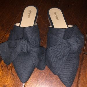Black slides with cute bow